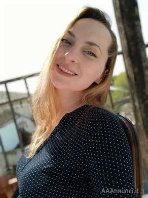 Babysitter - Larysa 42 anni